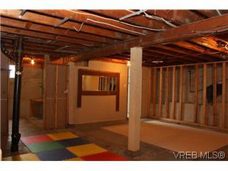 Photo 17: 824 Condor Avenue in VICTORIA: Es Esquimalt Single Family Detached for sale (Esquimalt)  : MLS®# 305919