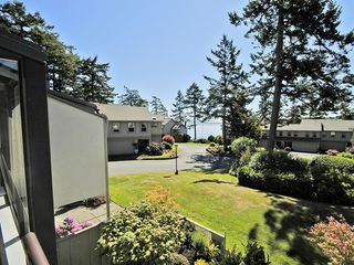 Photo 42: 2 2654 Lancelot Pl in SAANICHTON: CS Turgoose Row/Townhouse for sale (Central Saanich)  : MLS®# 615581