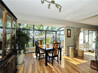 Photo 11: 2 2654 Lancelot Pl in SAANICHTON: CS Turgoose Row/Townhouse for sale (Central Saanich)  : MLS®# 615581