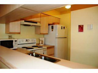 """Photo 4: 104 3199 WILLOW Street in Vancouver: Fairview VW Condo for sale in """"VGH"""" (Vancouver West)  : MLS®# V997862"""