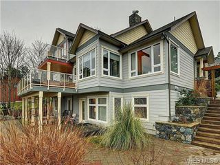 Photo 2: 922 W Garthland Place in VICTORIA: Es Kinsmen Park Residential for sale (Esquimalt)  : MLS®# 331905