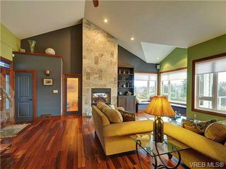 Photo 5: 922 W Garthland Place in VICTORIA: Es Kinsmen Park Residential for sale (Esquimalt)  : MLS®# 331905