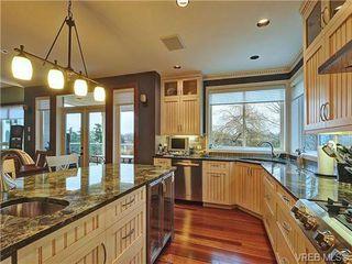 Photo 12: 922 W Garthland Place in VICTORIA: Es Kinsmen Park Residential for sale (Esquimalt)  : MLS®# 331905