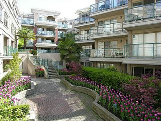 "Photo 1: 325 332 LONSDALE Avenue in North Vancouver: Lower Lonsdale Condo for sale in ""CALYPSO"" : MLS®# V1076735"