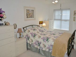 """Photo 4: 325 332 LONSDALE Avenue in North Vancouver: Lower Lonsdale Condo for sale in """"CALYPSO"""" : MLS®# V1076735"""