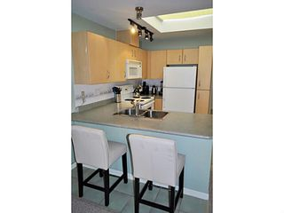"Photo 3: 325 332 LONSDALE Avenue in North Vancouver: Lower Lonsdale Condo for sale in ""CALYPSO"" : MLS®# V1076735"