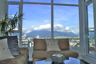 Photo 3: 805 2321 SCOTIA STREET in Vancouver: Mount Pleasant VE Condo for sale (Vancouver East)  : MLS®# R2002824