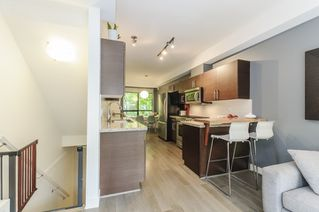 Photo 3: 116 1859 STAINSBURY AVENUE in Vancouver: Victoria VE Townhouse for sale (Vancouver East)  : MLS®# R2112169