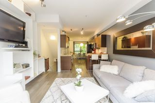 Photo 1: 116 1859 STAINSBURY AVENUE in Vancouver: Victoria VE Townhouse for sale (Vancouver East)  : MLS®# R2112169