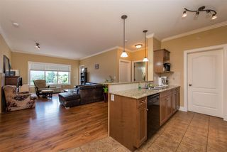 Photo 6: 410 45753 STEVENSON Road in Sardis: Sardis East Vedder Rd Condo for sale : MLS®# R2393866