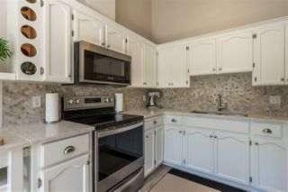 """Photo 4: 74 8737 212 Street in Langley: Walnut Grove Townhouse for sale in """"Chartwell Green"""" : MLS®# R2400095"""