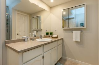 """Photo 11: 74 8737 212 Street in Langley: Walnut Grove Townhouse for sale in """"Chartwell Green"""" : MLS®# R2400095"""