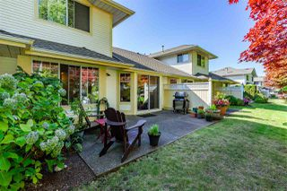 """Photo 15: 74 8737 212 Street in Langley: Walnut Grove Townhouse for sale in """"Chartwell Green"""" : MLS®# R2400095"""