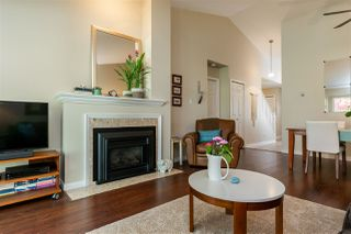 """Photo 8: 74 8737 212 Street in Langley: Walnut Grove Townhouse for sale in """"Chartwell Green"""" : MLS®# R2400095"""