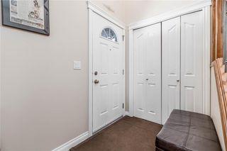 Photo 4: 9 Bondar Gate: Carstairs Detached for sale : MLS®# C4293579
