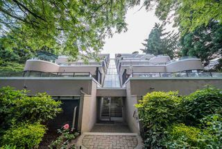 """Photo 7: 60 1425 LAMEY'S MILL Road in Vancouver: False Creek Condo for sale in """"Harbour Terrace"""" (Vancouver West)  : MLS®# R2478216"""