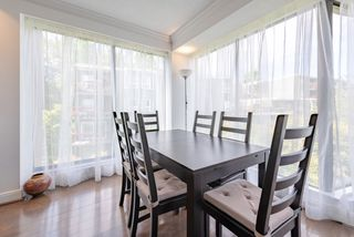 """Photo 5: 60 1425 LAMEY'S MILL Road in Vancouver: False Creek Condo for sale in """"Harbour Terrace"""" (Vancouver West)  : MLS®# R2478216"""