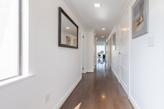 """Photo 24: 60 1425 LAMEY'S MILL Road in Vancouver: False Creek Condo for sale in """"Harbour Terrace"""" (Vancouver West)  : MLS®# R2478216"""