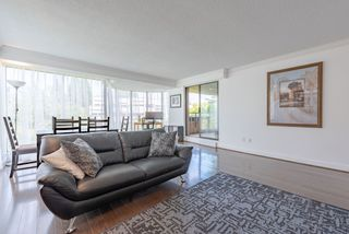 """Photo 4: 60 1425 LAMEY'S MILL Road in Vancouver: False Creek Condo for sale in """"Harbour Terrace"""" (Vancouver West)  : MLS®# R2478216"""