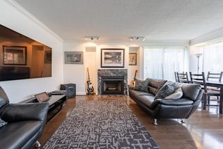 """Photo 3: 60 1425 LAMEY'S MILL Road in Vancouver: False Creek Condo for sale in """"Harbour Terrace"""" (Vancouver West)  : MLS®# R2478216"""