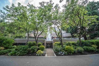 """Photo 20: 60 1425 LAMEY'S MILL Road in Vancouver: False Creek Condo for sale in """"Harbour Terrace"""" (Vancouver West)  : MLS®# R2478216"""