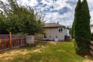 Photo 15: 2250 Woodhouse Rd in : OB Henderson Single Family Detached for sale (Oak Bay)  : MLS®# 851206