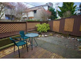 "Photo 10: 8 230 W 13TH Street in North Vancouver: Central Lonsdale Townhouse for sale in ""BEECHES"" : MLS®# V938338"