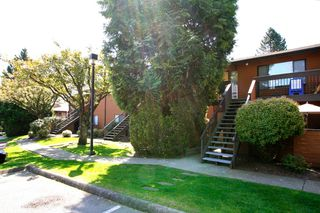 "Photo 1: 2309 10620 150TH Street in Surrey: Guildford Townhouse for sale in ""Lincoln's Gate"" (North Surrey)  : MLS®# F1212753"