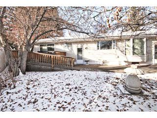 Photo 18: 6420 LAURENTIAN Way SW in CALGARY: North Glenmore Residential Detached Single Family for sale (Calgary)  : MLS®# C3547690