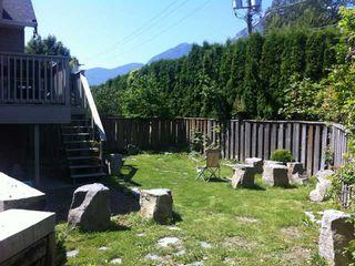 """Photo 9: 8 1700 MAMQUAM Road in Squamish: Garibaldi Estates Townhouse for sale in """"MOUNTAIN MEWS"""" : MLS®# V984133"""