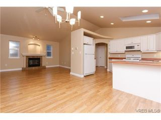 Photo 6: 1006 Isabell Ave in VICTORIA: La Walfred House for sale (Langford)  : MLS®# 627433