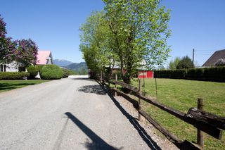 Photo 3: 42975 SOUTH SUMAS Road in Sardis: Greendale Chilliwack House for sale : MLS®# H1301840