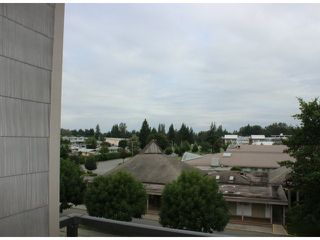 "Photo 8: 401 33338 MAYFAIR Avenue in Abbotsford: Central Abbotsford Condo for sale in ""THE STIRLING ON MAYFAIR"" : MLS®# F1420645"