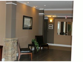 "Photo 2: 401 33338 MAYFAIR Avenue in Abbotsford: Central Abbotsford Condo for sale in ""THE STIRLING ON MAYFAIR"" : MLS®# F1420645"