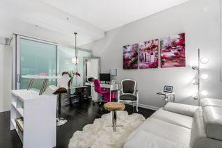 Photo 4: 10 ATHLETES WAY in Vancouver: False Creek Condo for sale (Vancouver West)  : MLS®# R2026611