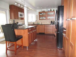 Photo 1: Coquitlam: Condo for sale : MLS®# R2079538