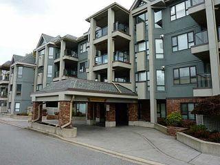 Main Photo: 305 15241 18 AVENUE in Surrey: King George Corridor Condo for sale (South Surrey White Rock)  : MLS®# R2070350