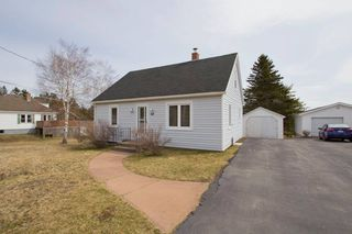Photo 3: 16 Copp Avenue: Sackville House for sale : MLS®# M104111