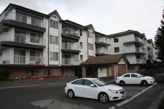 Photo 1: 319 33535 King Road in Abbotsford: Condo for sale