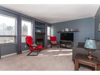 Photo 3: 3218 268 STREET in Langley: Aldergrove Langley House for sale : MLS®# R2337571