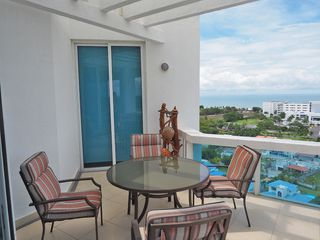 Photo 6: Furnished Founders Penthouse