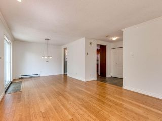 "Photo 5: 8443 LAUREL Street in Vancouver: Marpole House 1/2 Duplex for sale in ""MARPOLE"" (Vancouver West)  : MLS®# R2403493"