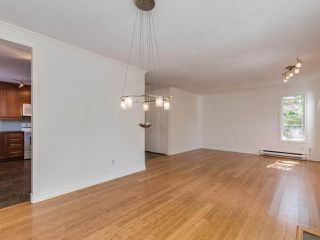 "Photo 6: 8443 LAUREL Street in Vancouver: Marpole 1/2 Duplex for sale in ""MARPOLE"" (Vancouver West)  : MLS®# R2403493"