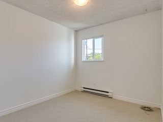 "Photo 18: 8443 LAUREL Street in Vancouver: Marpole 1/2 Duplex for sale in ""MARPOLE"" (Vancouver West)  : MLS®# R2403493"