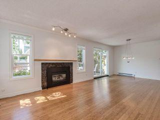 "Photo 4: 8443 LAUREL Street in Vancouver: Marpole 1/2 Duplex for sale in ""MARPOLE"" (Vancouver West)  : MLS®# R2403493"