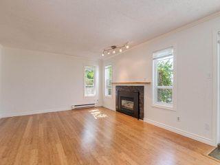 "Photo 8: 8443 LAUREL Street in Vancouver: Marpole 1/2 Duplex for sale in ""MARPOLE"" (Vancouver West)  : MLS®# R2403493"