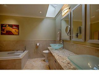 Photo 12: # 116 2274 FOLKESTONE WY in West Vancouver: Panorama Village Condo for sale : MLS®# V987054