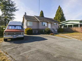 Main Photo: 730 SCHOOLHOUSE Street in Coquitlam: Central Coquitlam House for sale : MLS®# R2446516
