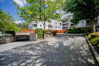 "Main Photo: 305 2678 DIXON Street in Port Coquitlam: Central Pt Coquitlam Condo for sale in ""SPRINGDALE"" : MLS®# R2457141"
