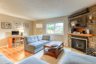 "Photo 7: 19 20599 51A Avenue in Langley: Langley City Townhouse for sale in ""Forest View"" : MLS®# R2466963"